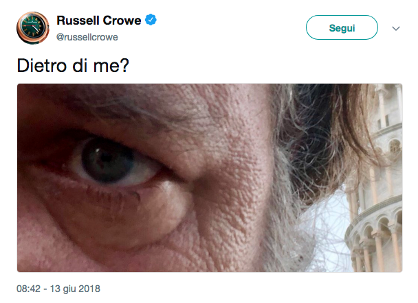 russel crowe a Pisa tweet-2