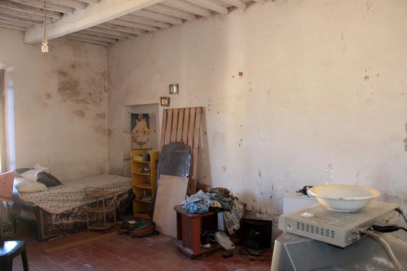 posti letto abusivi appartamento pisa-2