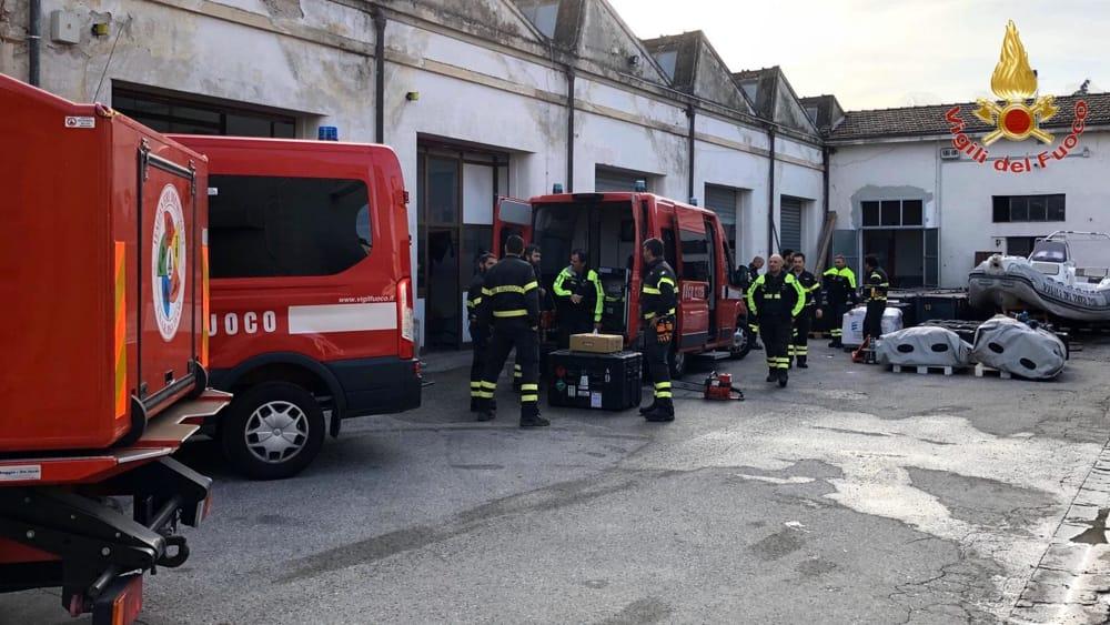partenza terremoto albania vigili del fuoco pisa 4-2