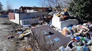 rimozione rifiuti campo rom ospedaletto-2