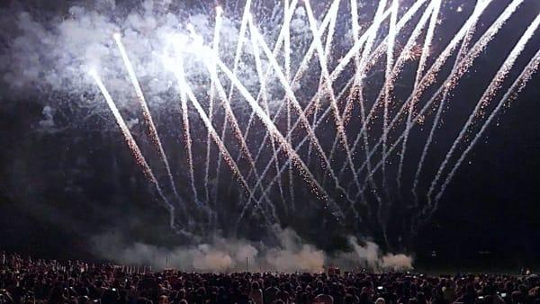 Fuochi d'artificio per il Giorno dell'Indipendenza al Bagno degli Americani