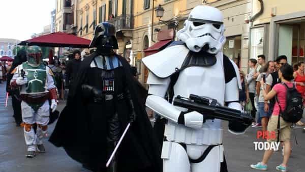 'Luna50': sfilata di figuranti di Star Wars