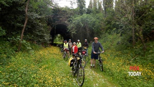 In bici al lago delle Cerbaie