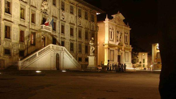 #CINEMATRICOLE: proiezione del film 'Lo chiamavano Jeeg Robot' in Piazza Cavalieri