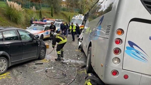 incidente auto pullman palaia 1-2