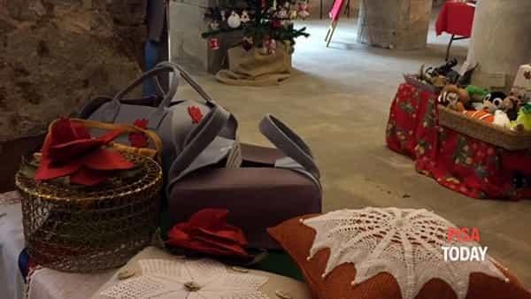 mercatino di natale nella cripta di san pierino a cura della compagnia di san ranieri-4
