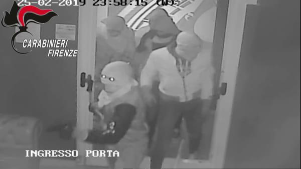 Fermata banda di rapinatori, ha colpito a San Miniato e Calcinaia: le immagini della videosorveglianza