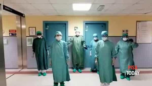 VIDEO | Il 'ballo degli infermieri' nel reparto di Pneumologia dell'ospedale Cisanello