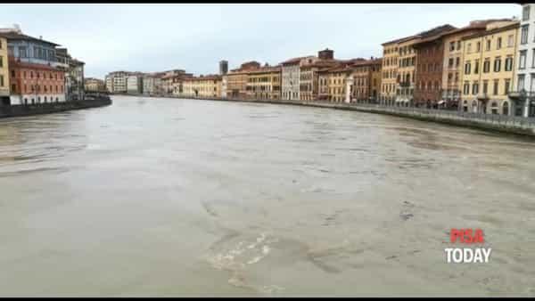 VIDEO   L'Arno lunedì mattina a Pisa