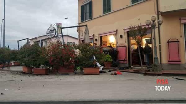 Incidente bar lilli pisa 26 maggio foto Lorenzo Davini-3