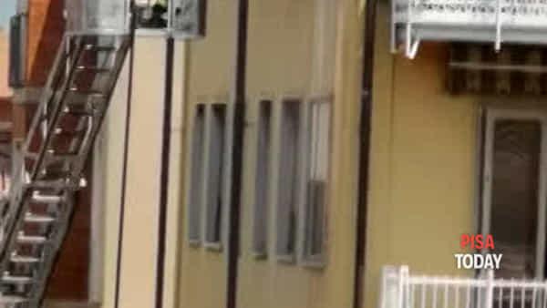 Incendio in casa in via della Spina: condominio evacuato