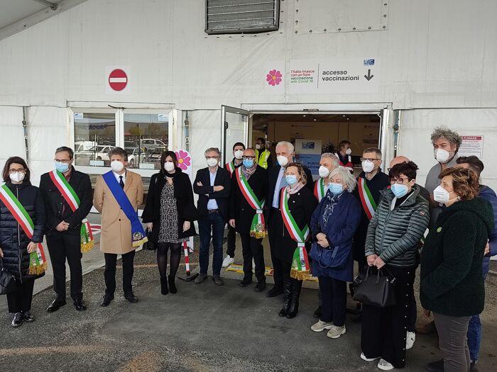 Centro vaccinale piazza del mercato pontedera 4-2