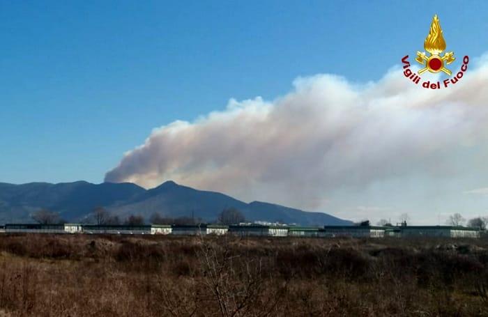 Incendio Monte Serra 25 febbraio 2019 1